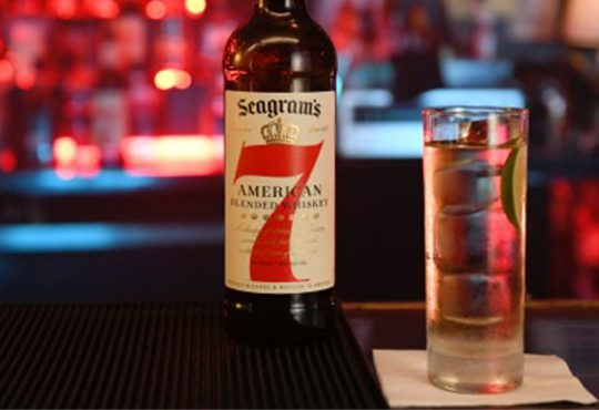 Seagram's 7&7 at bar on-set - Feature